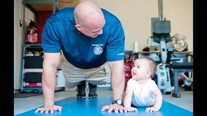 Väter und Kinder beim gemeinsamen Sport
